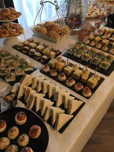 LA boys/ Vinnie Hacker - part 27 - Wattpad Party Food Buffet, Party Food Platters, Food Menu, Brunch Buffet, Appetizer Buffet, Dinner Buffet Ideas, Appetizer Table Display, Wedding Buffet Food, Appetizers Table