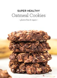 Healthy Oatmeal Cookies -- made in ONE BOWL & just 6 ingredients! The perfect snack, breakfast or guilt-free dessert! {vegan & GF} Simply Quinoa #vegan #glutenfree #oatmealcookies #onebowl #chocolatecookies #vegancookies #simplyquinoa