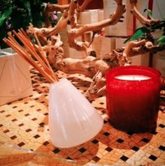 ❤️ Gifts that keep on giving! How about a #giftcertificate @theumstead AND a beautiful hand-blown glass candle and diffuser by Alixx. The wax is natural, vegetable-based, and uncolored, with the wick made of cotton without zinc. The reed diffusers are alcohol free as well. Once you have burned down your candle, you can use the glass as a plant vase or repurpose them for other needs. #valentines #scoutedvalentines #theumstead #trianglescout