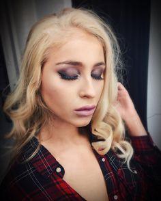 Makeup for @clothesandcompany Final exam in @maskmakeupacademy 💗 #fiercesociety #instamakeup #bebellacosmetics #makeupgeek #undiscovered_muas #makeupaddict #makeupsocialapp #mua #makeupfanatic #makeup #makegirlz #makeuplover #ilovemakeup #motd #dressyourface #makeupartistworldwide #glam #glow #maquiagem #make4glam #makeuprevue #mua #realtechniques #cutcrease #shadows #glam #shine #glitter #fashion #clothes #photoshoot #makeup