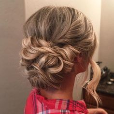 Beautiful twisted updo wedding hairstyle for romantic brides. Get inspired by this braid updo bridal hairstyle,bohemian hairstyles