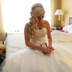 The Prettiest Half-Up, Half-Down Hairstyles http://www.hhdress.com/the-prettiest-half-up-half-down-hairstyles/ HH Dress