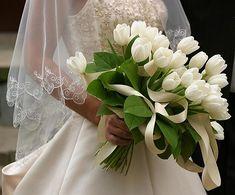 Buquê: colorindo o casamento com as tulipas