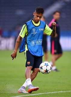 Neymar of Barcelona passes during an FC Barcelona training session on the eve of the UEFA Champions League Final match against Juventus at Olympiastadion on June 5, 2015 in Berlin, Germany.