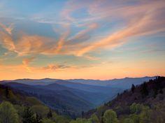 North Carolina's Oconaluftee Valley at sunrise, part of the Great Smoky Mountains National Park. #NorthCarolina #iGottaTravel