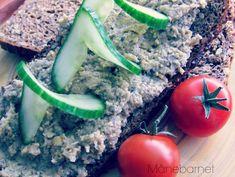 Ingredienser 200 g. sojabønner (gerne økologiske og GMO fri!) 200 g. hvide eller brune champignon 2 spsk. friskpresset økologisk citronsaft 2 små løg (hakket) 2 spsk. olivenolie eller rapsolie ½ dl...