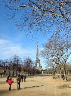 Place Joffre w Paris, Île-de-France