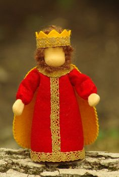 Waldorf table puppet King // Fairy Tale by TaleWorld on Etsy