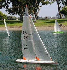 Model Sailboats, Rc Glider, Sailboat Racing, Rc Model, Wooden Boats, Model Ships, Boat Building, Radio Control, Outdoor Fun
