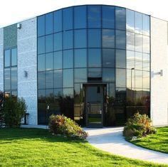 2010: Soluzioni complete per l'involucro edilizio, dalla progettazione alla posa in opera fino alla gestione di tutto il post vendita.