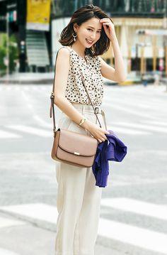 GUのレオパ柄ブラウスは通勤にも使える♡まろやか配色で仕上げる大人の可愛げコーデ | andGIRL [アンドガール] Japan Fashion, Kawaii Fashion, Curvy Fashion, Runway Fashion, Fashion Outfits, Womens Fashion, Street Fashion, Fall Fashion Trends, Women's Summer Fashion