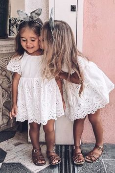 24 Country Flower Girl Dresses That Are Pretty Flower Girl Dresses Country, Flower Girl Dresses Boho, Short Dresses, Girls Dresses, Girls White Dress, Pageant Dresses, Party Dresses, Pretty Wedding Dresses, Dress Wedding