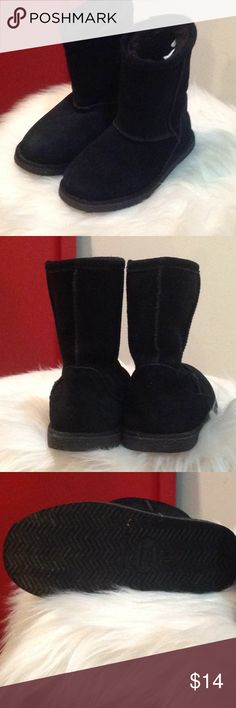 GIRLS NORDSTROM RACK BLACK FUR LINED BOOT 👧 LITTLE GIRLS NORDSTROM RACK BLACK FUR LINED BOOT, IN EXCELLENT WORN CONDITION. SIZE 11 nordstrom rack Shoes Boots