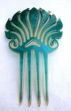 Vintage hair comb Art Deco moire effect Spanish style hair