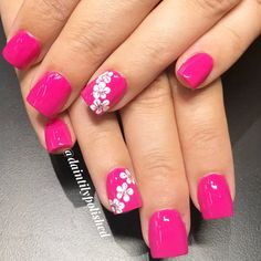 - Have you found your nails lack of some fashionable nail art? Yes, recently, many girls personalize their fingernails with beautiful nail design to dec. Spring Nail Art, Nail Designs Spring, Cute Nail Designs, Spring Nails, Designs On Nails, Nail Art Flowers Designs, Pink Summer Nails, Summery Nails, Tropical Nail Designs