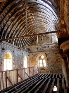 """""""Il n'y a qu'à être à Guédelon, pour avoir plus envie d'y bâtir des châteaux. """" http://www.blog-habitat-durable.com/il-ny-a-qua-etre-a-guedelon-pour-avoir-plus-envie-dy-batir-des-chateaux/"""