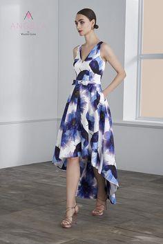 Disponible en tienda la colección #Ángela de #ValerioLuna #HigarNovias #Vestidosdenovia Pretty Summer Dresses, Cute Dresses, Casual Dresses, Chic Outfits, Dress Outfits, Fashion Dresses, Colourful Outfits, Colorful Fashion, Long Plaid Skirt