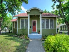 Looking for a lovely home in an up and coming area near SouthTown, Riverside Park and the new mission reach of the San Antonio River? This adorable 2 bed, 1.5 bath home has been tastefully remodeled with an urban flair, bonus loft for study and large yard.  Perfect for those wanting to be close to downtown at a great price. 202 Tremlett Ave- $107,500  Interested? Take a Virtual Tour: www.youtube.com/watch?v=7myr9FOvwXc  www.CentroProperties.net