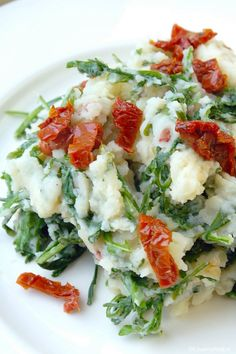 Stamppot met rucola en zongedroogde tomaat - Lovemyfood.nl Potato Recipes, Veggie Recipes, Baby Food Recipes, Vegetarian Recipes, Healthy Recipes, Healthy Food, Buffet, 15 Minute Meals, Feel Good Food