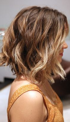 long-wavy-bob-haircut