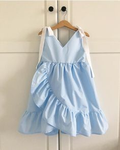 This image can contain: People Dieses Bild kann enthalten: Personen … This image can contain: People … - Frocks For Girls, Kids Outfits Girls, Little Girl Dresses, Girl Outfits, Baby Dresses, Fashion Outfits, Fashion Kids, Baby Girl Fashion, Latest Fashion