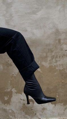 Heeled Mules, Heeled Boots, Business Women, Kicks, Footwear, Heels, Black, Beautiful Shoes, Minimal