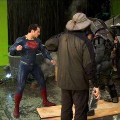 Foto dos bastidores de Batman Vs Superman!! #Superman #JusticeLeague #AlwaysHenryCavillBrasil (By @supermangallery)