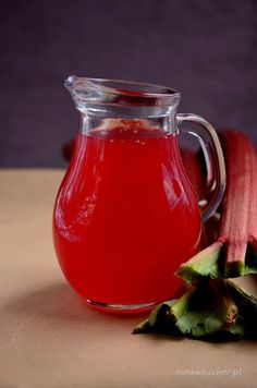 Rhubarb syrup, so simple! Best for homemade rhubarb lemonade Rhubarb Syrup, Cocktail Recipes, Cocktails, Polish Recipes, Polish Food, Smothie, Simple Syrup, Holidays And Events, Lemonade