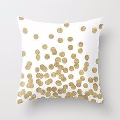 Who doesn't love glitter? Make your decor sparkle with this white pillow accented with gold dots. It's perfect for special occasions or everyday use. Use: Seat,Chair,Car Pattern: Plain Dyed Style: Twi