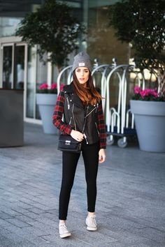 Vest: Gat Rimon / Blouse: Brandy Melville / Pants: Mythe Clothing via Buylevard (here)  / Shoes: Converse / Bag: Mango / Beanie: Topman