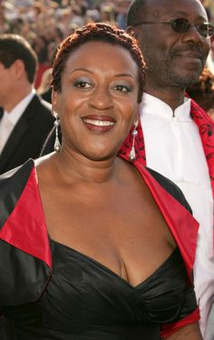 cch pounder | CCH Pounder Actress CCH Pounder arrives at the 57th Annual Emmy Awards ...