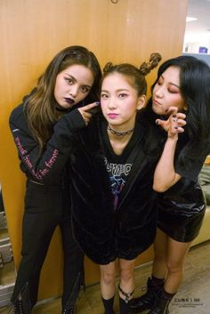 Sorn, Yujin and Seungyeon - CLC