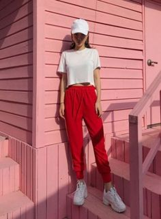 Korean Fashion Trends you can Steal – Designer Fashion Tips Korea Fashion, Asian Fashion, Teen Fashion, Fashion Outfits, Womens Fashion, Fashion Trends, Sneakers Fashion, Tomboy Fashion, Sporty Outfits