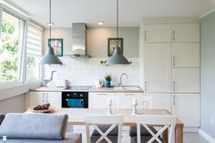 jasna kuchnia - zdjęcie od JW Architektura - Kuchnia - Styl Skandynawski - JW Architektura