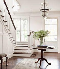 Den Vita (Dröm) Gården: Trappa för New England hus