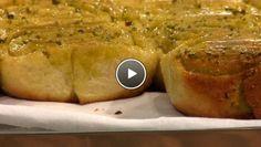 Pistachebroodjes - The Taste of Life Travel Rudolfs Bakery, Brunch, Savoury Baking, Bread Rolls, Scones, Vegan Vegetarian, Baked Potato, Breads, Sandwiches
