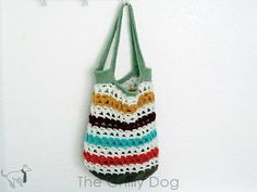 This is a quick and easy tote bag pattern will help you use up your bits and pieces of worsted weight yarns. You can use anywhere from 2-11 different colors. Th