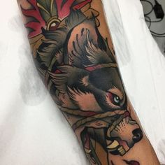 Wolf and dagger for a good friend! This is the best photo I could get 😓 // Lobo y daga para mi colega 😘😘 For booking//para citas -- alvaro_ae89c@hotmail.com --- Done at @malibutattoo_sitges #ink #inked #inkedup #tattoo #tattoos #tattooartist #tattooart #sketch #artist #drawing #blacktattoo #black #sitges #bcnart #bcntattoo #neotraditional #neotradtattoo #neotradsub #barcelona #wolftattoo #wolf #dagger #birdtattoo #blackwork #thebestspaintattooartists #skinartmag #skinart_mag