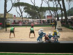 My Smurfs at the Swatch World Tour, beachvolleyball in Rome  ---------------------------------------  I miei Puffi allo Swatch World Tour di beach volley a Roma