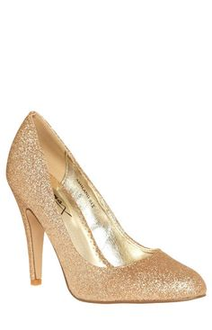 Sparkly gold heels? i'm in love!