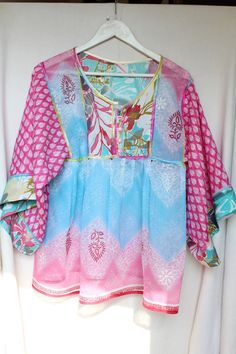 Tunic boho-chic pink and turquoise with big par MesOdalisques 55 euros on : https://www.etsy.com/fr/shop/MesOdalisques