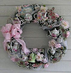 Vintage tea wreath - so cute for a tea party! High tea Wreath~ Love this! Teacup/Teapot Wreath by Treasured Heirlooms Images search results for teacup wreath from SearchCanvas. How cool is this a vintage tea party wreath! //use old play tea sets? Wreath Crafts, Diy Wreath, Diy Couronne Noel, Pink Christmas, Christmas Crafts, Christmas Brunch, Shabby Chic Kranz, Shabby Chic Wreath, Teacup Crafts