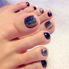 Simple and Beautiful Toe Nails picture 3