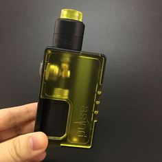 Vandy Vape Pulse BF Kit is the first Squonk Kit from Vandy Vape. It consists of the Pulse 24 BF RDA Special Edition and Vandy Vape PULSE BF Box Mod that designed by By Tony B. Featuring the intelligent fire button, it can lock the switch safety. Best Vape Mod, Juul Vape, Drip Tip, Perfume Bottles, Kit, Pure Products, Food Grade, Paracord, Amazing