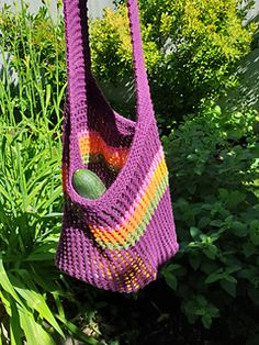 Flexible market bag. Easy to knit and very sturdy. This pattern is very adjustable. Knitting Stitches, Knitting Yarn, Knitting Patterns, Bag Patterns, Plymouth Yarn, Lang Yarns, Cascade Yarn, Paintbox Yarn, Red Heart Yarn