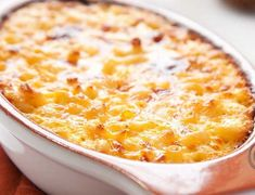 This Tuna Casserole is a TOTAL crowd pleaser! Only 301 calories per serving and made with low-fat dairy products This Tuna Casserole is a TOTAL crowd pleaser! Only 301 calories… Skinny Recipes, Ww Recipes, Cheese Recipes, Fish Recipes, Seafood Recipes, Dinner Recipes, Cooking Recipes, Healthy Recipes, Healthy Tuna