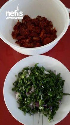 Dried Tomato Salad (No Such Flavor) – Yummy Recipes - Salat Ideen Food Design, Good Food, Yummy Food, Yummy Recipes, Food Tags, Dried Tomatoes, Diet And Nutrition, Seaweed Salad, Bon Appetit