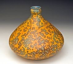 Beautiful glazed vase by Bruce Gholson Raku Pottery, Pottery Art, Glass Ceramic, Ceramic Clay, Sculptures Céramiques, Kintsugi, Contemporary Ceramics, Earthenware, Oeuvre D'art
