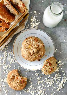 עוגיות שיבולת שועל טבעוניות Vegan Oat Cookies, Simple Embroidery, Sweet Tooth, Healthy, Breakfast, Food, Morning Coffee, Recipes, Essen