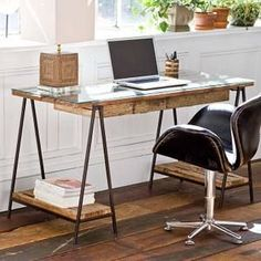 Industry Desk from claytongrayhome.com
